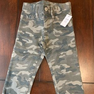 NWT Gap Toddler Boy Camouflage Jeans size 2T